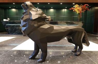 Loup hurleur noir (Howling wolf)